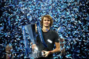 写真は2018「Nitto ATPファイナルズ」で優勝したズベレフ