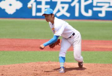 小林大雅投手(経・4年)は登板した三回に3失点を喫するも、中盤に復調の兆しを見せた(撮影・湯澤周平)