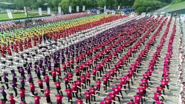ダンスイベントで新中国建国70周年慶祝とアジア競技大会歓迎 浙江省杭州市