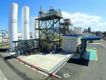新設された液化炭酸ガスの製造プラント=大分市中ノ洲の大分石油化学コンビナート