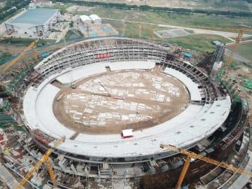 カンボジア国家体育場の主体工事完了 中国が建設援助