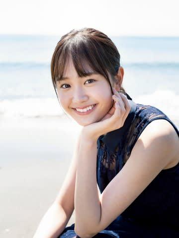 「週刊少年サンデー」24号の表紙に登場した尾碕真花さん=小学館提供