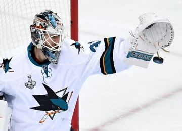 Sharks' Martin Jones Makes 44 Saves in 4-2 Game 5 Win vs Penguins