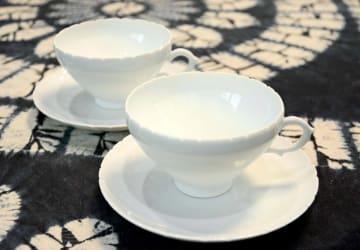 幕末明治期のカップ&ソーサーの再現に挑んだ村島昭文さんの作品