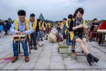 千年の歴史持つ竹編み工芸品、日韓で人気 四川省眉山市