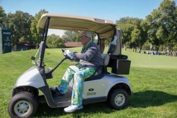 PGAツアーチャンピオンズでは乗用カートが認められているが、まさかメジャーで…(撮影:GettyImages)