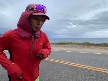 中国人ランナー白斌氏、自らの足で感じた南極と北極の「距離」