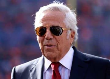 Robert Kraft Super Rings: Robert Kraft: AFC Championship - New England Patriots v Denver Broncos