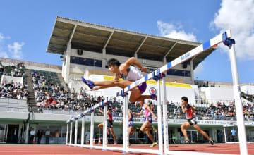 男子110メートル障害の金井大旺選手=2018年10月、福井県福井市の9.98スタジアム