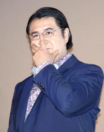 映画「コンフィデンスマンJP」初日舞台あいさつに登場した小手伸也さん