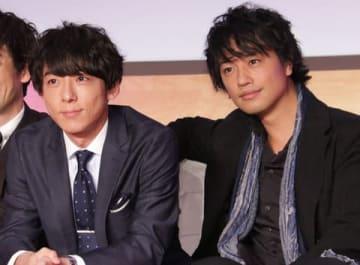 高橋一生さん(左)と斎藤工さん