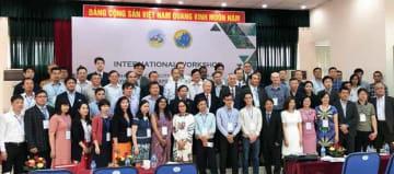 バイオ殺虫剤とバイオ肥料に関する国際会議で、日系5社が最新技術を生かした製品を紹介した(レイシャン提供)