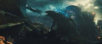 『ゴジラ キング・オブ・モンスターズ』圧巻のバトルは劇場で一見の価値あり - (C) 2019 Legendary and Warner Bros. Pictures. All Rights Reserved.