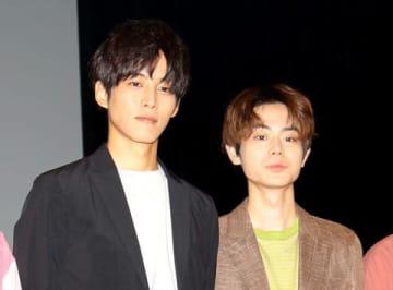 連続ドラマ「パーフェクトワールド」のイベント前に会見を行った松坂桃李さん(左)と菅田将暉さん