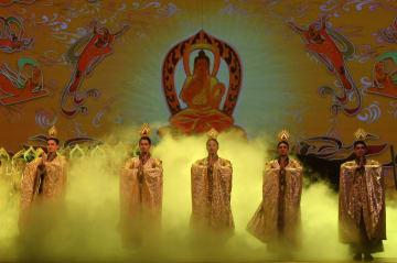 シルクロードの恋物語、舞踏劇「大夢敦煌」を上演 甘粛省蘭州市