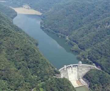 6月中旬から大雨が予想される場合に事前放流する新成羽川ダム=高梁市備中町地区