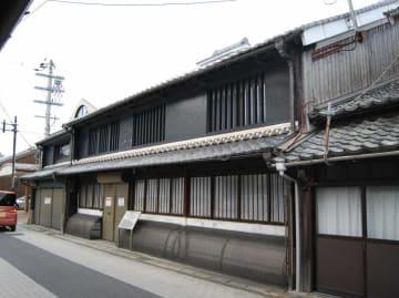 売りに出されていることが分かった、国の登録有形文化財「渡邊家住宅」(京都府舞鶴市竹屋)