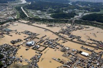西日本豪雨に見舞われた倉敷市真備町地区=昨年7月9日