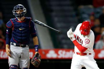 第4打席で右手にボールが直撃したエンゼルス・大谷翔平【写真:Getty Images】