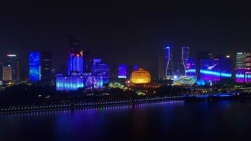 人気の銭江新城ライトショー 浙江省杭州市