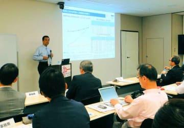 地域のベンチャー企業の成長を考えるフォーラムの会場(京都市下京区・京都経済センター)