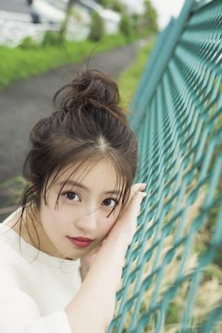 「週刊少年マガジン」第25号の表紙に登場した今田美桜さん