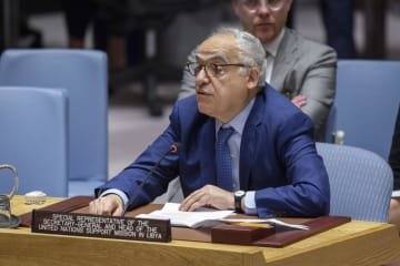 国連安全保障理事会の公開会合で発言する国連リビア支援団のサラメ事務総長特別代表=21日、米ニューヨークの国連本部(国連提供・共同)