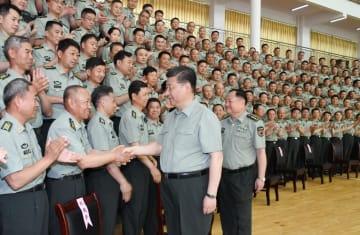 習近平氏、陸軍歩兵学院を視察