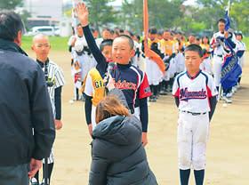 選手宣誓する海陽の尾下主将