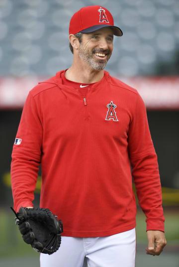 試合前、笑顔を見せるエンゼルスのオースマス監督=アナハイム(ゲッティ=共同)