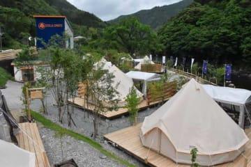 西米良村村所にオープンしたグランピング施設「ステラスポーツ」