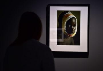 女性戦場カメラマンの作品展 ドイツ·デュッセルドルフ