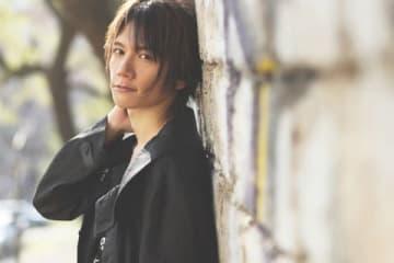 8月30日に発売されるKENNさんの写真集のサンプルカット