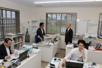津山版DMOを統括するマネジャー(左から2人目)とサブマネジャー(同3人目)