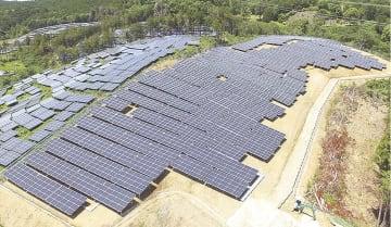 発電所の増設を進めるサカイホールディングス(写真は昨年9月に稼働した新城発電所)