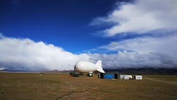 中国開発の係留気球、高度7003メートルの世界記録達成