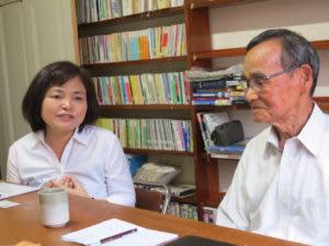 奥が長谷川さん、手前が上野会長