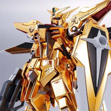 「機動戦士ガンダムSEED DESTINY」に登場するアカツキガンダムのアクションフィギュア「METAL ROBOT魂 <SIDE MS> アカツキガンダム(オオワシ装備)」(C)創通・サンライズ