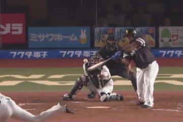 この試合2本塁打と活躍したソフトバンクのデスパイネ【画像:(C)PLM】