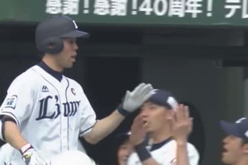 3打席連続となる本塁打を放った西武・秋山翔吾【画像:(C)PLM】
