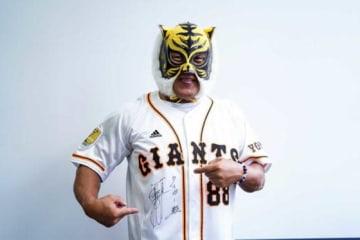 タイガーマスクが原辰徳監督の魅力を語る【写真:荒川祐史】