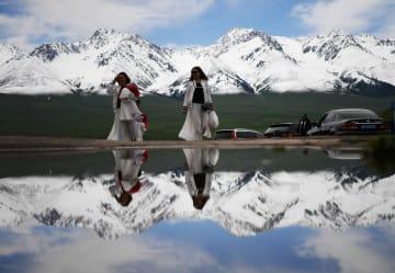 「空中草原」ナラティの観光熱高まる 新疆ウイグル自治区