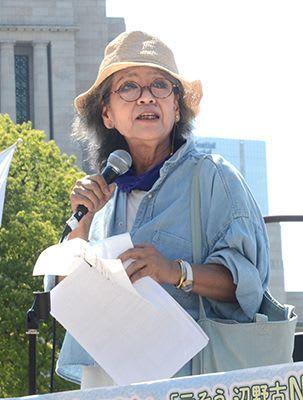 「危険な飛行場を放っておいたのは誰なんだ」 作家・落合恵子さんが国会前の抗議行動で政権批判