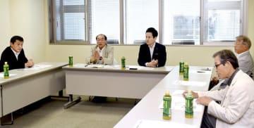 共産党公認の野党統一候補への対応を話し合った4者協議=5月25日、福井県教育センター