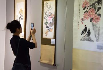 中華民国時代の女性書画家作品70余点を公開 湖南省長沙市