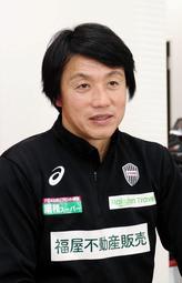 J1神戸の下部組織でバルサ化を推し進める平野孝アカデミー部長=神戸市西区、いぶきの森球技場