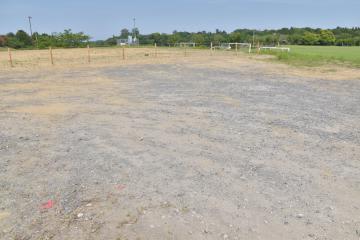 桜川小学校の校舎や体育館が建設される予定の桜川運動公園内=稲敷市柏木