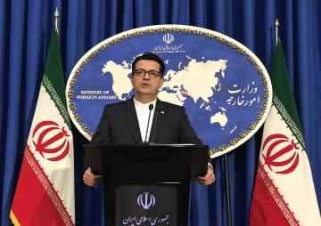 イラン外務省で記者会見するムサビ報道官=28日、テヘラン(ゲッティ=共同)