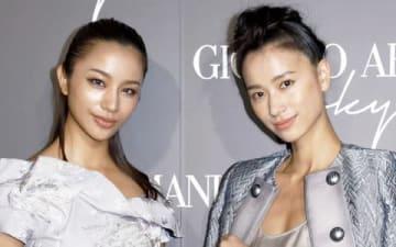 イタリアのファッションブランド「ジョルジオ・アルマーニ」の初のクルーズコレクションに来場した高橋メアリージュンさん(左)と高橋ユウさん