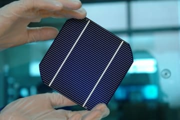 中国企業の太陽電池パネル、「一帯一路」を明るく照らす
